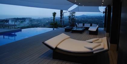 Terraza con muebles Dedón